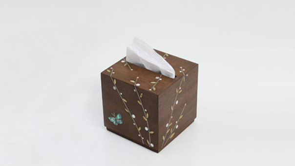 BUTTERFLY tissue holder
