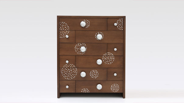 STAGGERED chest of drawers